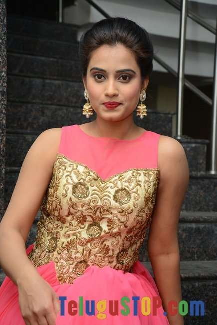 Dimple chopade new stills 2- Photos,Spicy Hot Pics,Images,High Resolution WallPapers Download