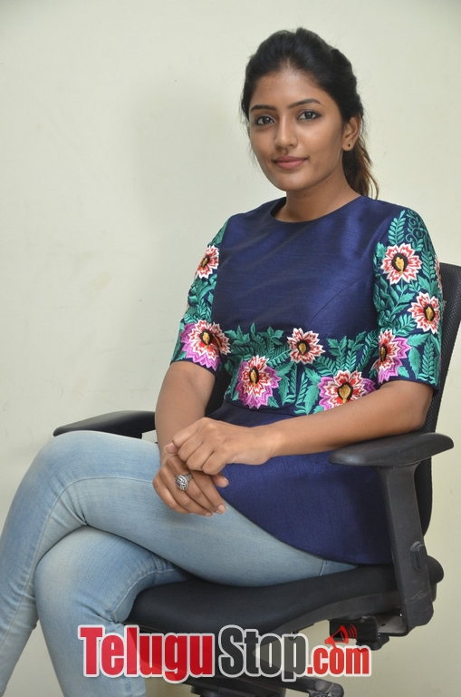 Eesha rebba new stills 2- Photos,Spicy Hot Pics,Images,High Resolution WallPapers Download