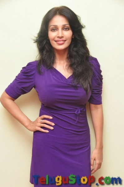 Flora Saini New Images-Flora Saini New Images--Telugu Actress Hot Photos Flora Saini New Images-
