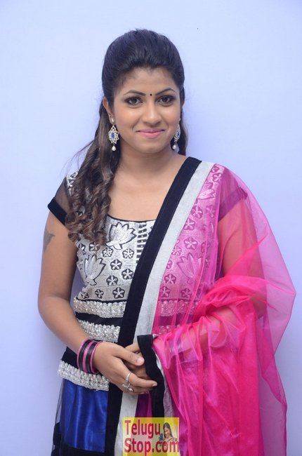 Geethanjali latest stills- Photos,Spicy Hot Pics,Images,High Resolution WallPapers Download