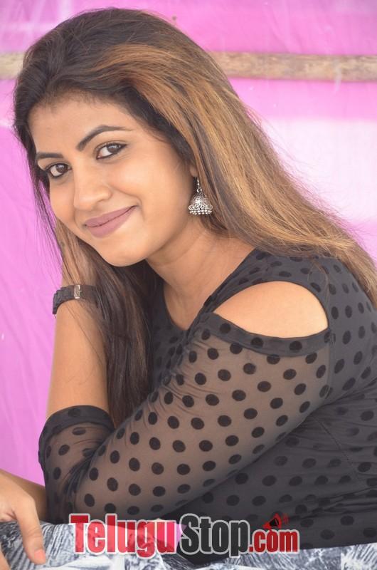 Geethanjali Latest Stills-Geethanjali Latest Stills-