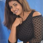 geethanjali-latest-stills3