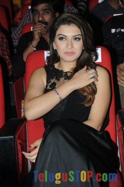 Hansika new stills- Photos,Spicy Hot Pics,Images,High Resolution WallPapers Download