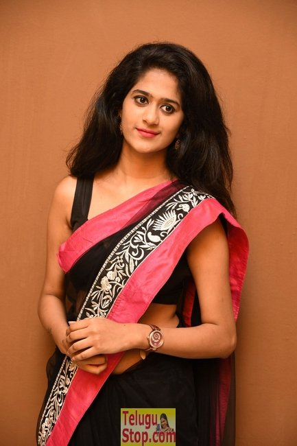 Harini latest stills- Photos,Spicy Hot Pics,Images,High Resolution WallPapers Download