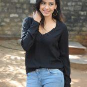 Hebah Patel New Stills Pic 6 ?>