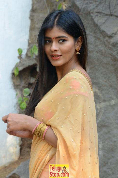 Heeba Patel New Pics-Heeba Patel New Pics-