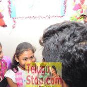 Allu Arjun Met Cancer Children at Make A Wish Foundation