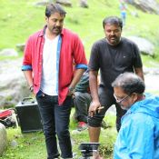 idi-naa-love-story-working-stills06