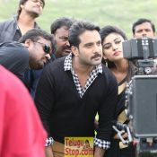 idi-naa-love-story-working-stills07