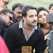 idi-naa-love-story-working-stills10