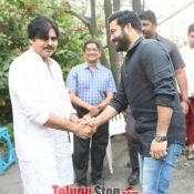 Jr NTR and Trivikram Srinivas Movie Opening Photos Still 1 ?>