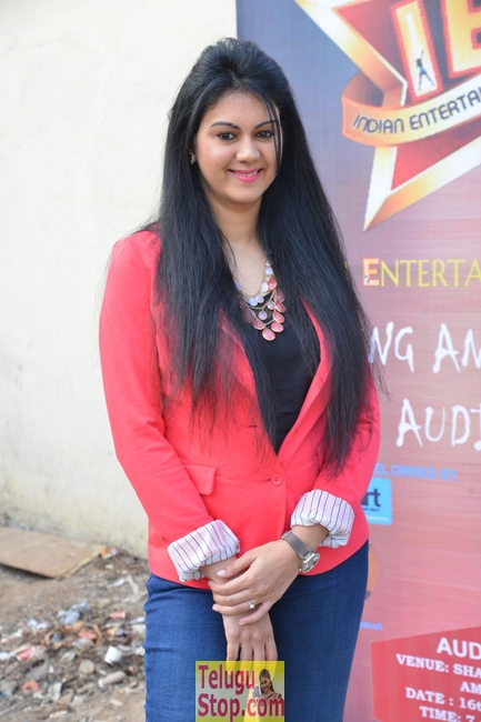 Kamna jethmalani stills 2- Photos,Spicy Hot Pics,Images,High Resolution WallPapers Download
