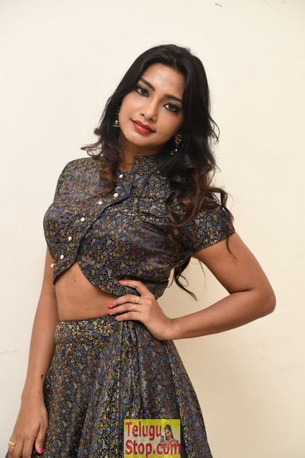 Kamna singh new stills- Photos,Spicy Hot Pics,Images,High Resolution WallPapers Download