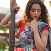 Kashish Chopra Hot Pics- Still 2 ?>