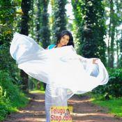 kashmira-kulkarni-new-stills10