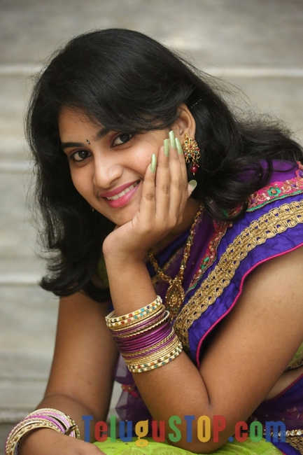 Krishnaveni stils- Photos,Spicy Hot Pics,Images,High Resolution WallPapers Download