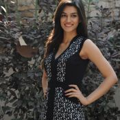 Kriti Sanon Latest Stills- Photo 3 ?>