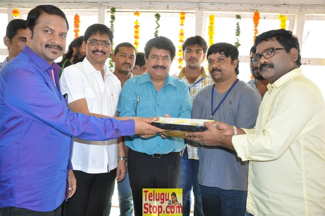 Kurra thoofan movie opening- Photos,Spicy Hot Pics,Images,High Resolution WallPapers Download