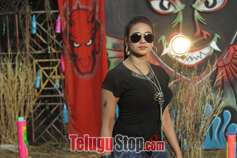 Lachhi movie stills- Photos,Spicy Hot Pics,Images,High Resolution WallPapers Download