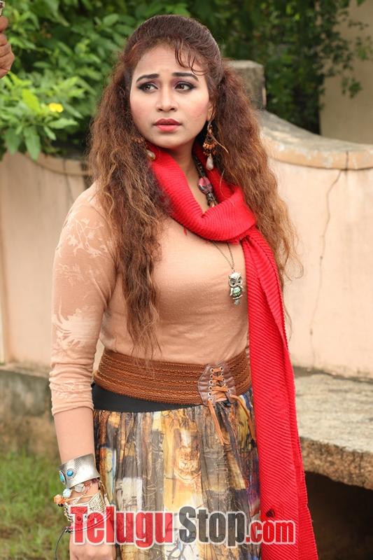 Lachhi Movie Stills-Lachhi Movie Stills-