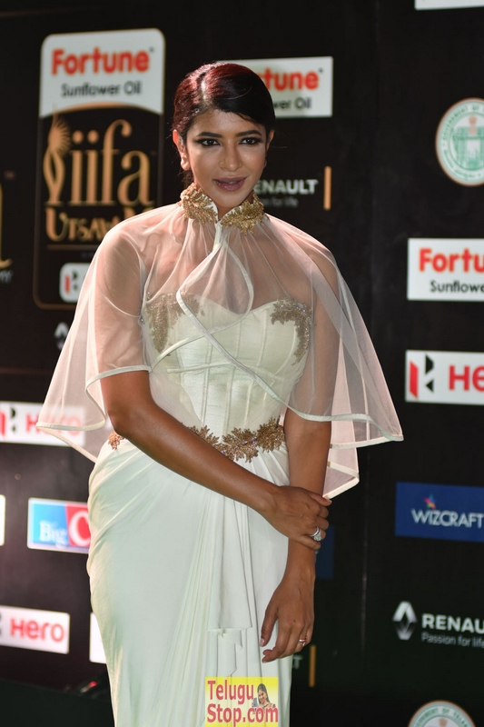 Lakshmi manchu images- Photos,Spicy Hot Pics,Images,High Resolution WallPapers Download