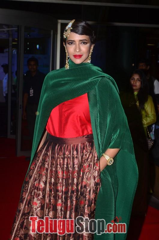 Manchu Lakshmi At Jio Filmfare Awards-Manchu Lakshmi At Jio Filmfare Awards-