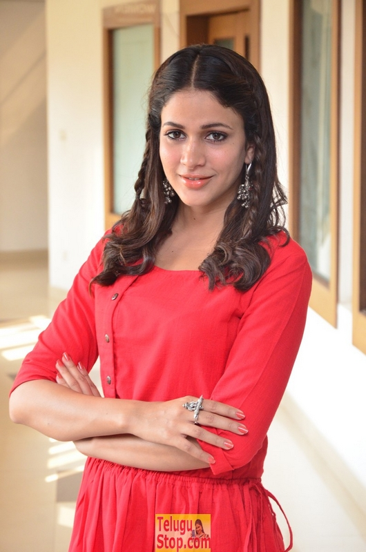 Lavanya tripathi new stills 11- Photos,Spicy Hot Pics,Images,High Resolution WallPapers Download