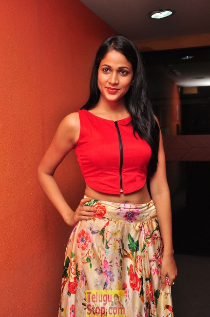 Lavanya tripathi new stills 3- Photos,Spicy Hot Pics,Images,High Resolution WallPapers Download