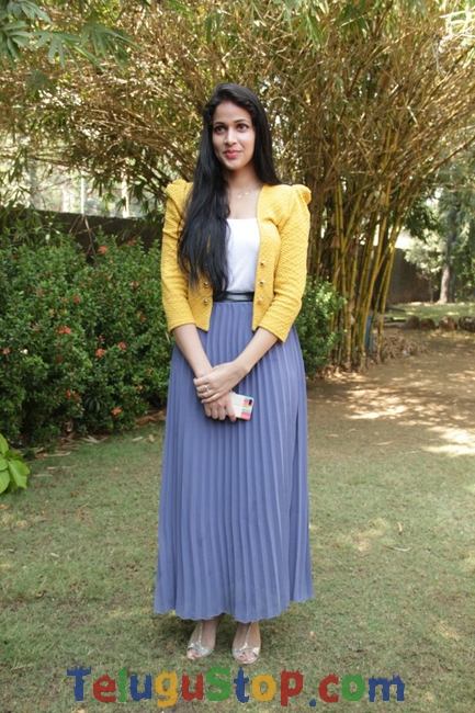 Lavanya tripati new pics- Photos,Spicy Hot Pics,Images,High Resolution WallPapers Download
