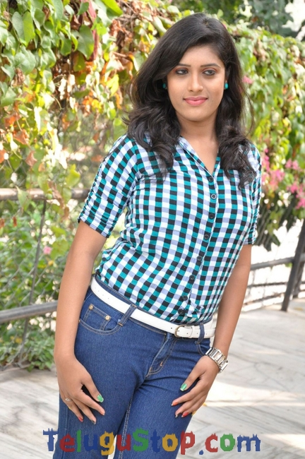 Lizza reddy stills- Photos,Spicy Hot Pics,Images,High Resolution WallPapers Download