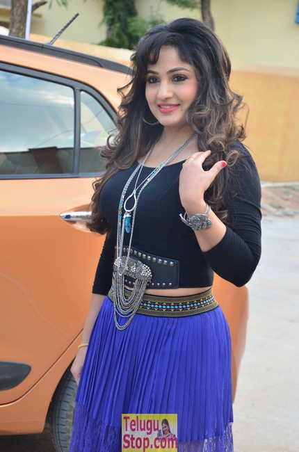 Madhavi latha gallery 2- Photos,Spicy Hot Pics,Images,High Resolution WallPapers Download