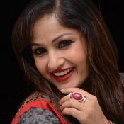madhavi-latha-new-stills01