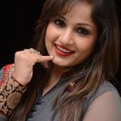 madhavi-latha-new-stills10