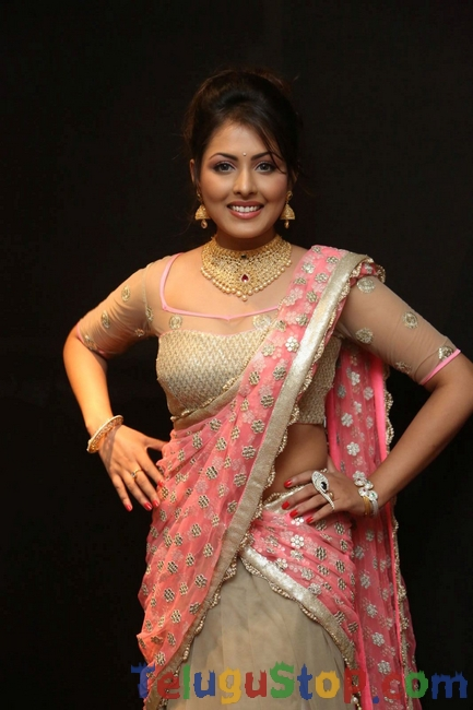 Madhu shalini latest pics- Photos,Spicy Hot Pics,Images,High Resolution WallPapers Download