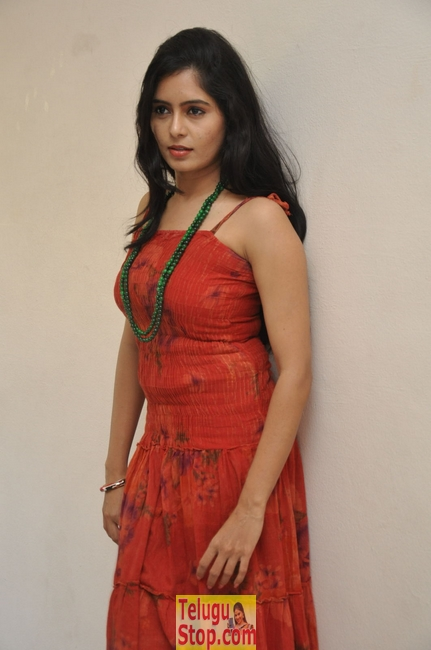 Madhumitha new stills 3- Photos,Spicy Hot Pics,Images,High Resolution WallPapers Download