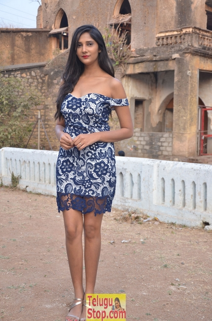 Mahima Kothari Latest Stills-Mahima Kothari Latest Stills-