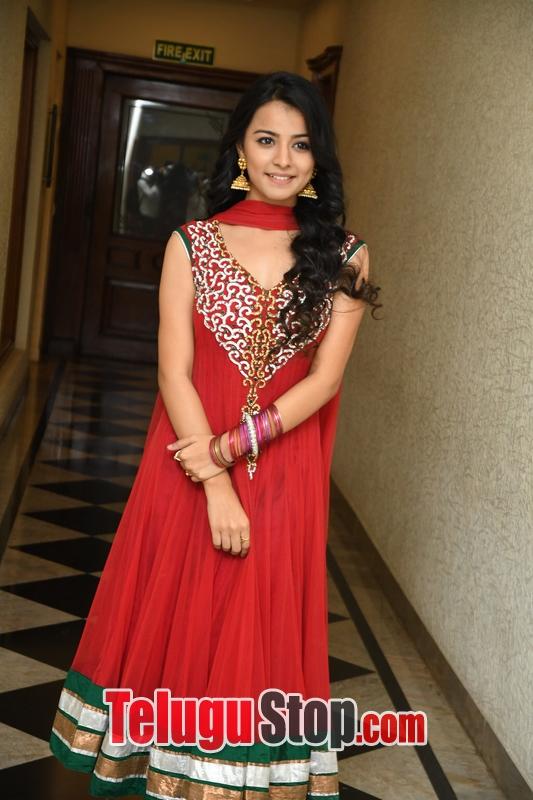 Mahima Makwana Stills-Mahima Makwana Stills--Telugu Actress Hot Photos Mahima Makwana Stills-