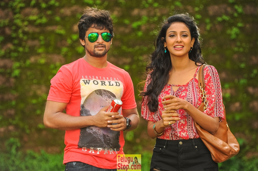 Majnu movie release stills- Photos,Spicy Hot Pics,Images,High Resolution WallPapers Download