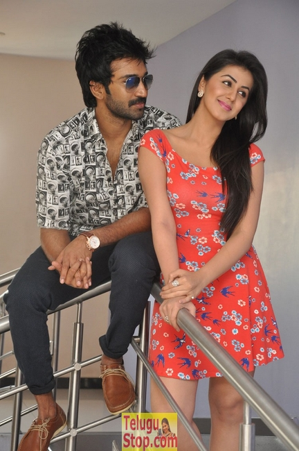 Malupu press meet stills- Photos,Spicy Hot Pics,Images,High Resolution WallPapers Download