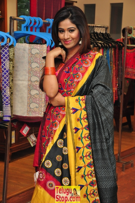Manali rathod images- Photos,Spicy Hot Pics,Images,High Resolution WallPapers Download