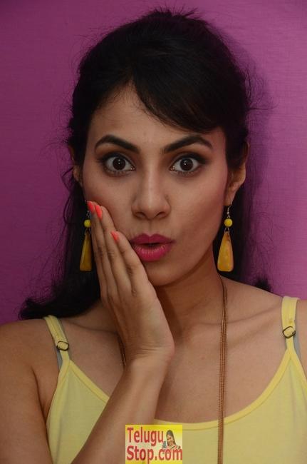 Manisha Kelkar New Stills-Manisha Kelkar New Stills--Telugu Actress Hot Photos Manisha Kelkar New Stills-