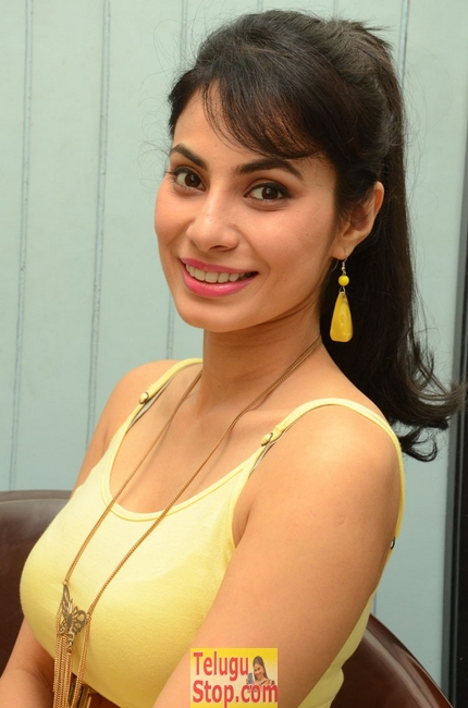 Manisha Kelkar New Stills-Manisha Kelkar New Stills-