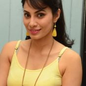 manisha-kelkar-new-stills09