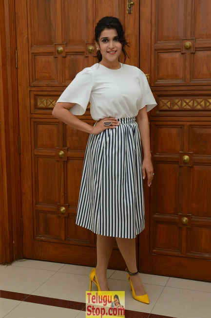 Mannara chopra latest stills 2