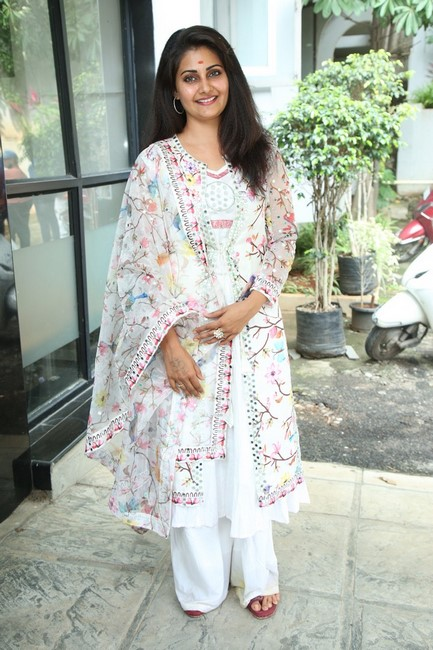 Manochithra latest beautiful clicks-Telugu Actress Manochithra, Images, Manochithra, Manochithra Amazing Clicks, Manochithra Awesome Photos, Manochithra Latest Beautiful Clicks, Manochithra Latetst News, Manochithra New Photos Photos,Spicy Hot Pics,Images,High Resolution WallPapers Download
