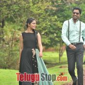 meda-meeda-abbayi-movie-stills02