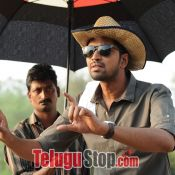 meda-meeda-abbayi-movie-stills09