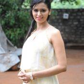 Meenakshi Dixit New Pics