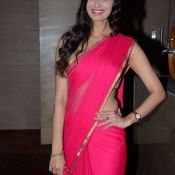 Meenakshi Dixit New Stills-Meenakshi Dixit New Stills- Photo 4 ?>