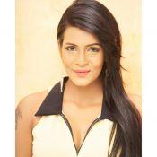 Meera Mithun Hot Stills- Pic 6 ?>